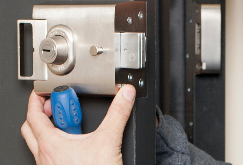 Reasons For Using a Certified Locksmith Service